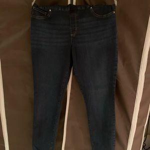 EUC Lee Sculpting Pull-On Skinny Jean 16 Long Tall